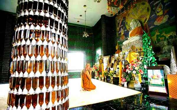 Un templo budista inusual piensa en verde_Templo-Budista-Wat-Pa-Maha-Chein-Kaew