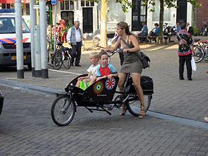 Ciclistas, los más felices de camino al trabajo_00