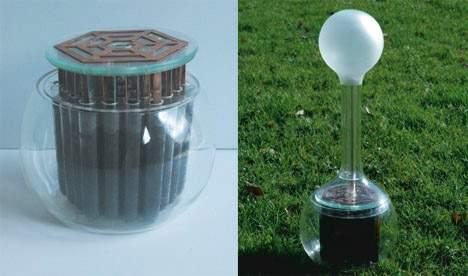 Una lampara Led que utiliza tierra y agua para alumbrar