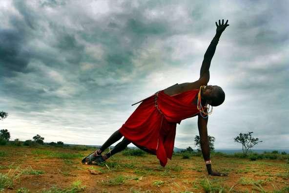 Yoga en África una iniciativa para mejorar la calidad de vida de niños y mujeres-07
