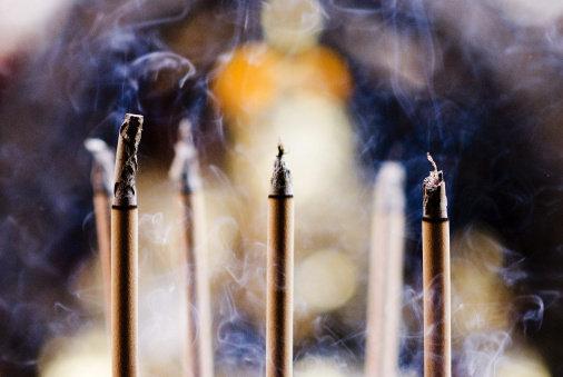 ¿Estás deprimid@ ¡A quemar incienso!