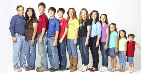 Familia por medio del Homeschooling (educación en casa) hace que siete de sus hijos vayan a la universidad a la edad de 12 años