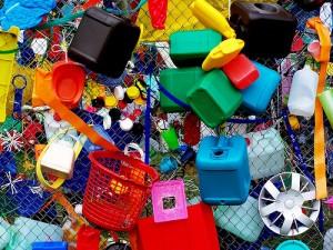 ¿Por qué las latas y envases de plástico son de riesgo para la salud__viaje hacia si mismo