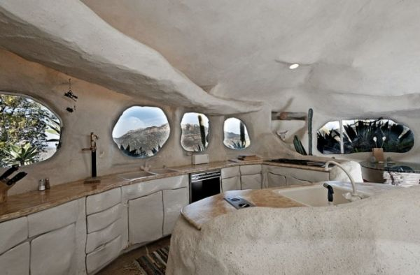 Casa orgánica en Malibú inspirada en Los Picapiedra _viaje hacia si mismo-77