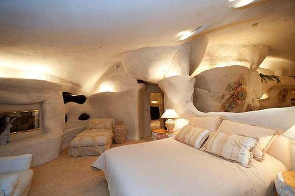 Casa orgánica en Malibú inspirada en Los Picapiedra_Viaje Hacia Si Mismo-00