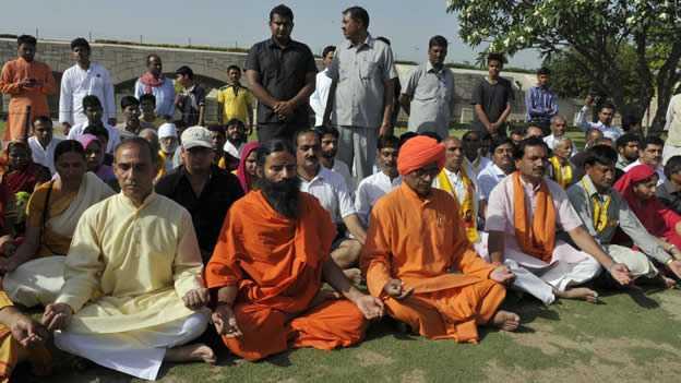 India crea un ministerio para promover el yoga y la medicina tradicional_Viaje Hacia Si Mismo00