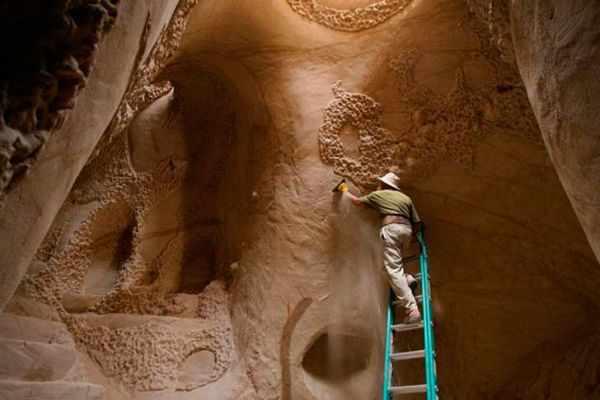 Increíble catedral subterránea tallada a mano - Viaje Hacia Si Mismo - 77