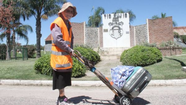 La emocionante historia de una señora de 91 años que camina por la paz - Viaje Hacia Si mismo-00