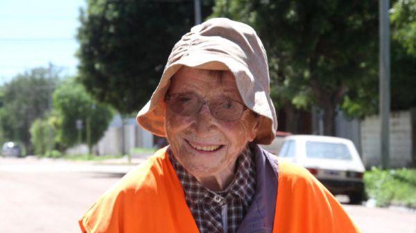 La emocionante historia de una señora de 91 años que camina por la paz - Viaje Hacia Si mismo-Emma Morosini