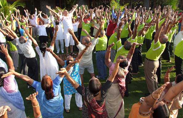 ¡En la India nombran un ministro de Yoga y crean una Universidad de la Risa!-Viaje Hacia Si Mismo