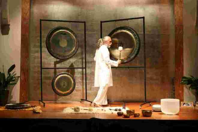 Vikrampal Singh Baño de Gong. Terapia con los sonidos del cosmos-33