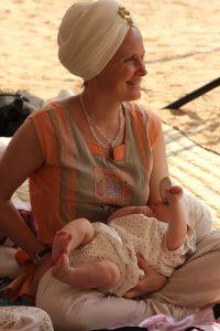 Lo Sagrado Femenino y la Madre Divina-Yogi Bhajan-Snatam Kaur-Viaje Hacia Si Mismo