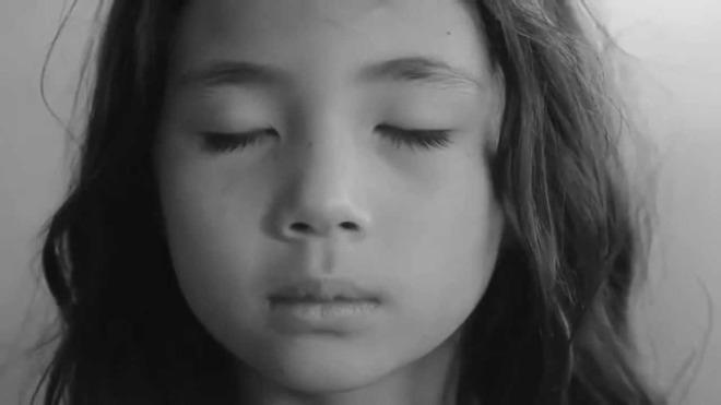 Respirar ayuda a los niños a calmar sus emociones-Viaje Hacia Si Mismo