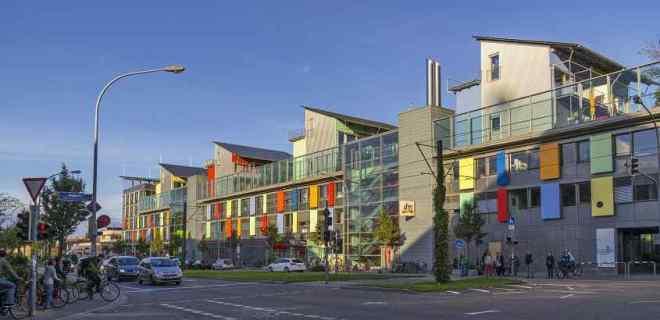 Vauban, la Ciudad que Recicla, genera energía, casi no hay coches y la gente es feliz-Viaje Hacia Si Mismo-11