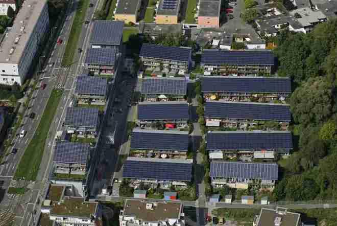 Vauban, la Ciudad que Recicla, genera energía, casi no hay coches y la gente es feliz-Viaje Hacia Si Mismo-22
