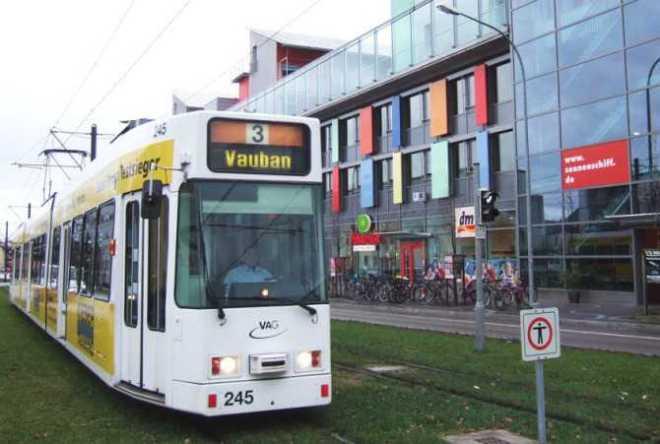 Vauban, la Ciudad que Recicla, genera energía, casi no hay coches y la gente es feliz-Viaje Hacia Si Mismo-33