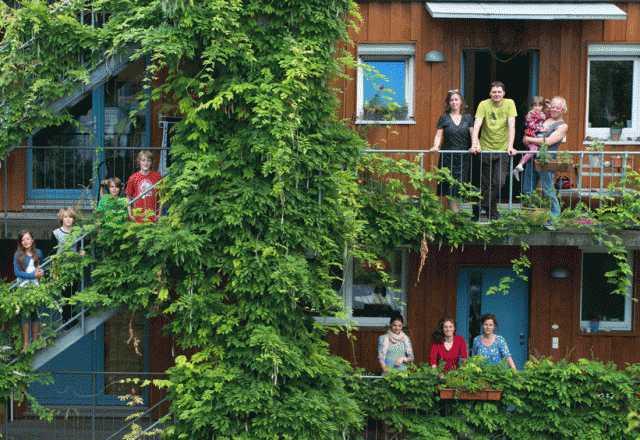 Vauban, la Ciudad que Recicla, genera energía, casi no hay coches y la gente es feliz-Viaje Hacia Si Mismo
