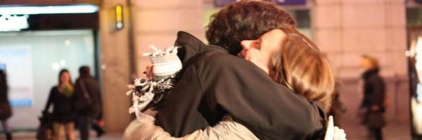 Mínimo, cuatro abrazos al día-Viaje Hacia si Mismo